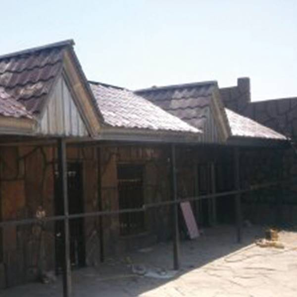 اجراکننده پوشش سقف شیبدار